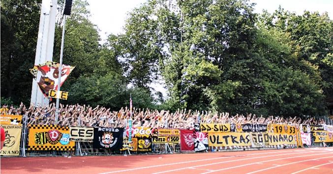 Dynamo-Fans beim SV Werder Bremen II